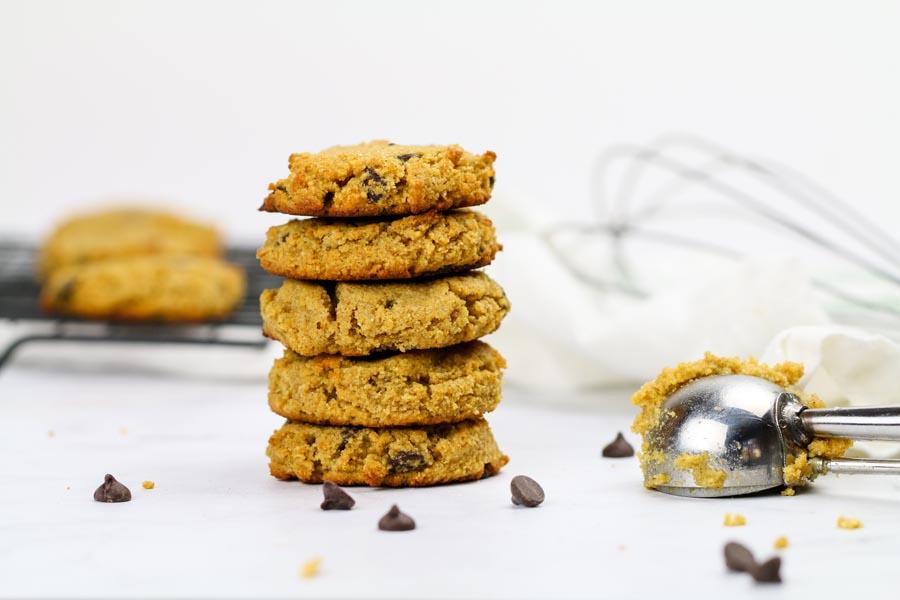 pumpkin cookies with milk