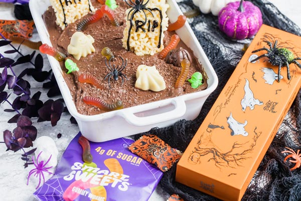 using sugar free candies to decorate a spooky cake